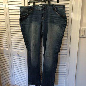 Torrid Denim women jeans, boyfriend, light.distres